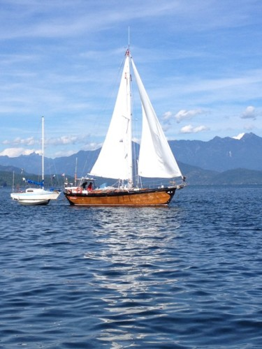 Frank and Dawn, Dulcinea II, leaving an anchorage under sail.