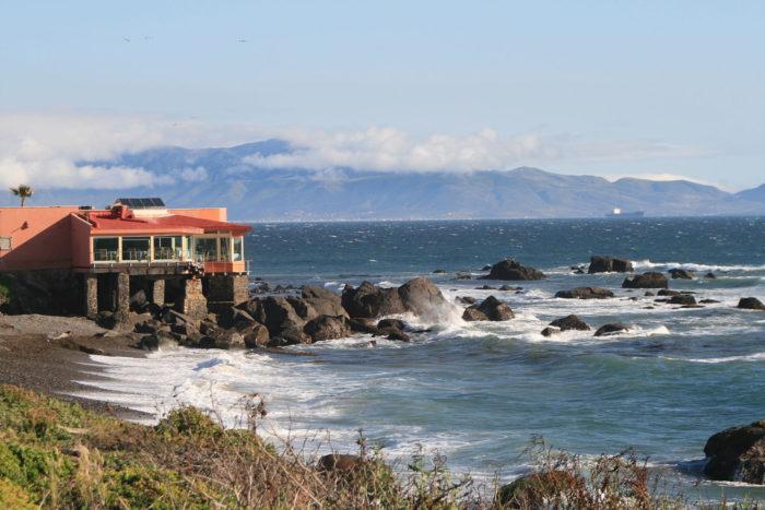 The rugged Ensenada coastline. (CC BY SA 3.0 Unported)