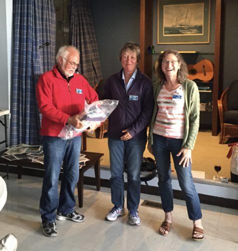 Tony Roberts and Karin Lengger, SV Mayaluga with Commodore Jennifer Handley